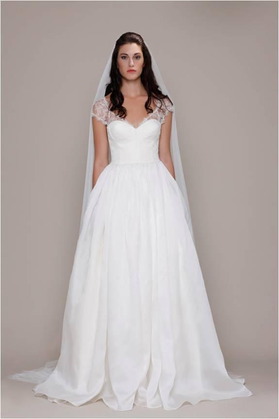 Elizabeth Stuart Lace Wedding Gown