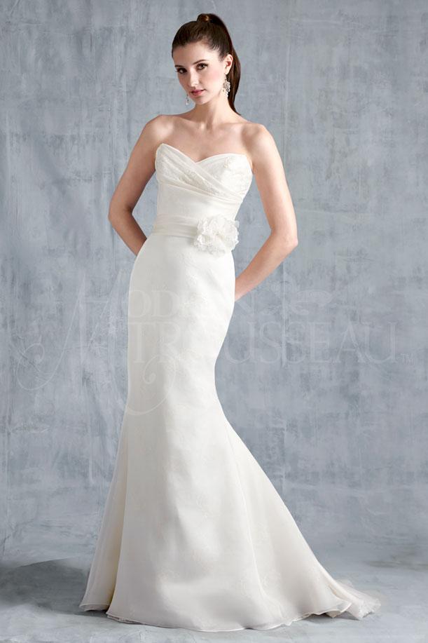 LOGAN bridal gown by Modern Trousseau