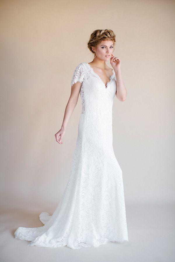Flowy wedding dresses darling by heidi elnora for Flowy wedding dresses with sleeves