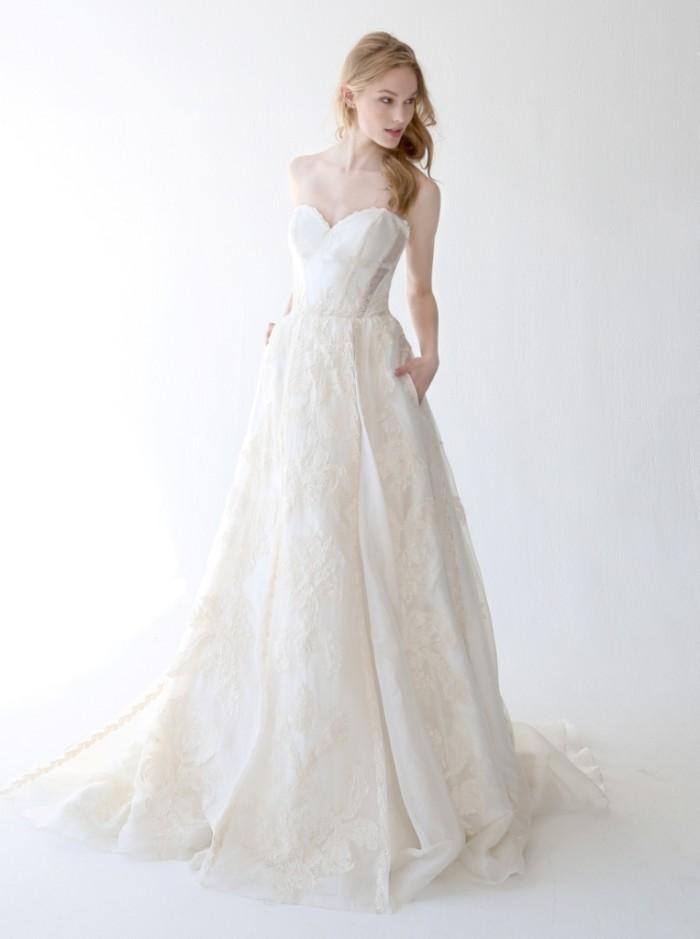 Wedding Dress with pockets Runa by Kelly Faetanini