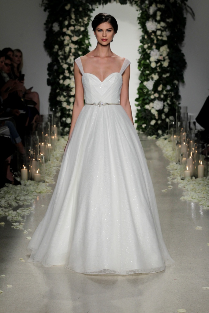 Ritz by 'Blue Willow Bride' Anne Barge   Photo by Dan Lecca