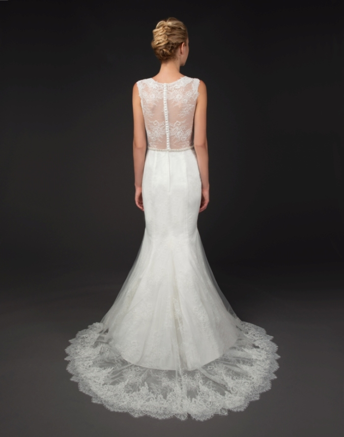 Lace back wedding gown by Winnie Couture FRAN