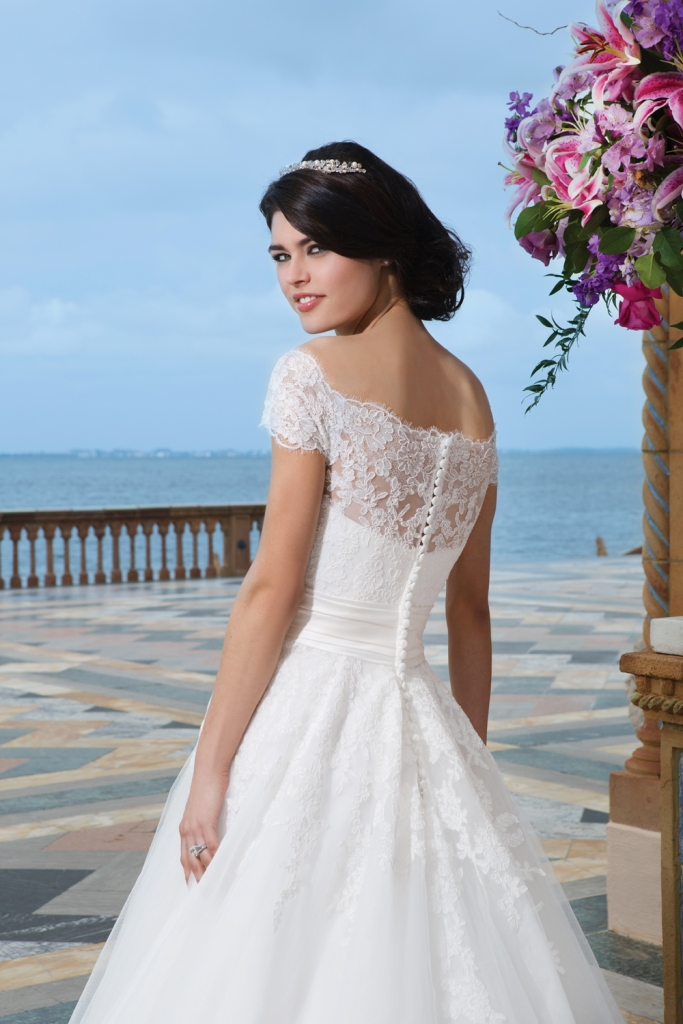 Style 3836  wedding dress for your body type