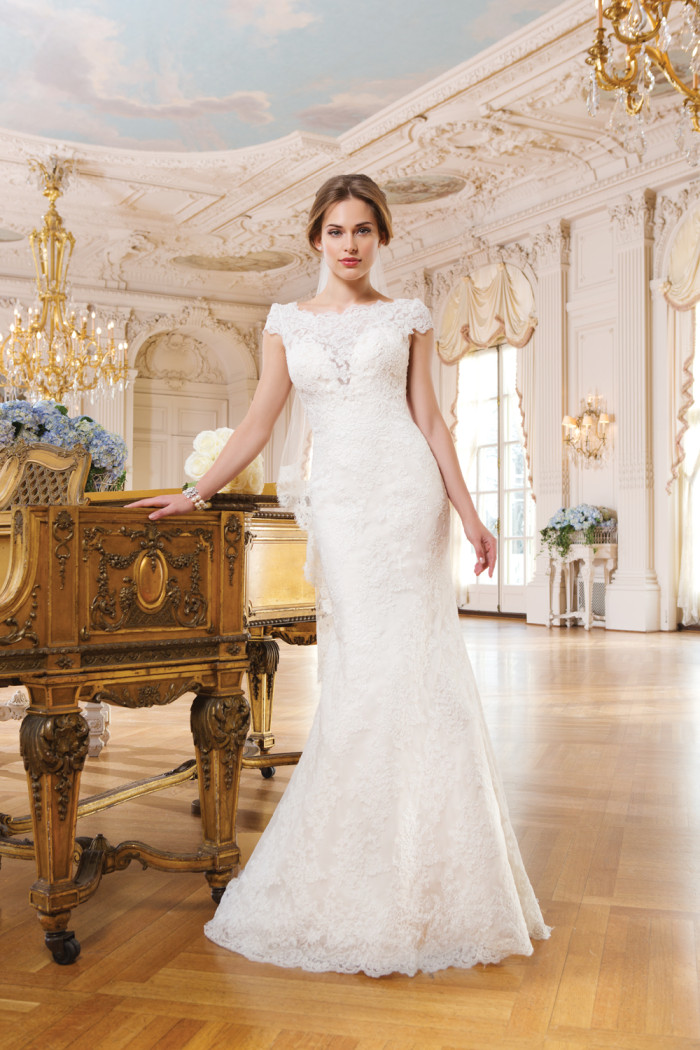 6345 Lace wedding dress