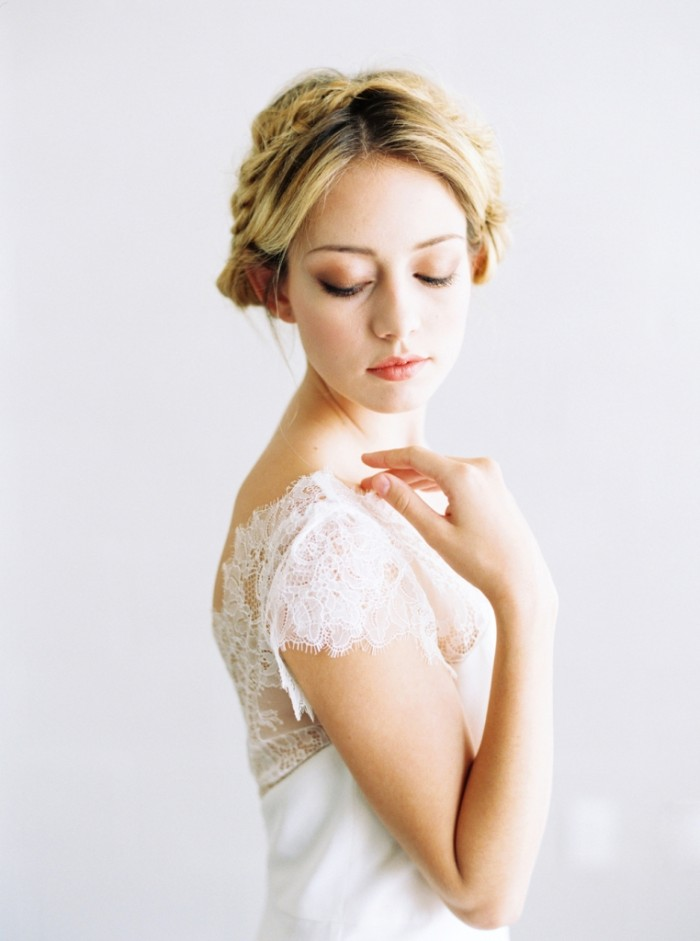 Ella by Saint Isabel 2015 Lace Wedding Gown