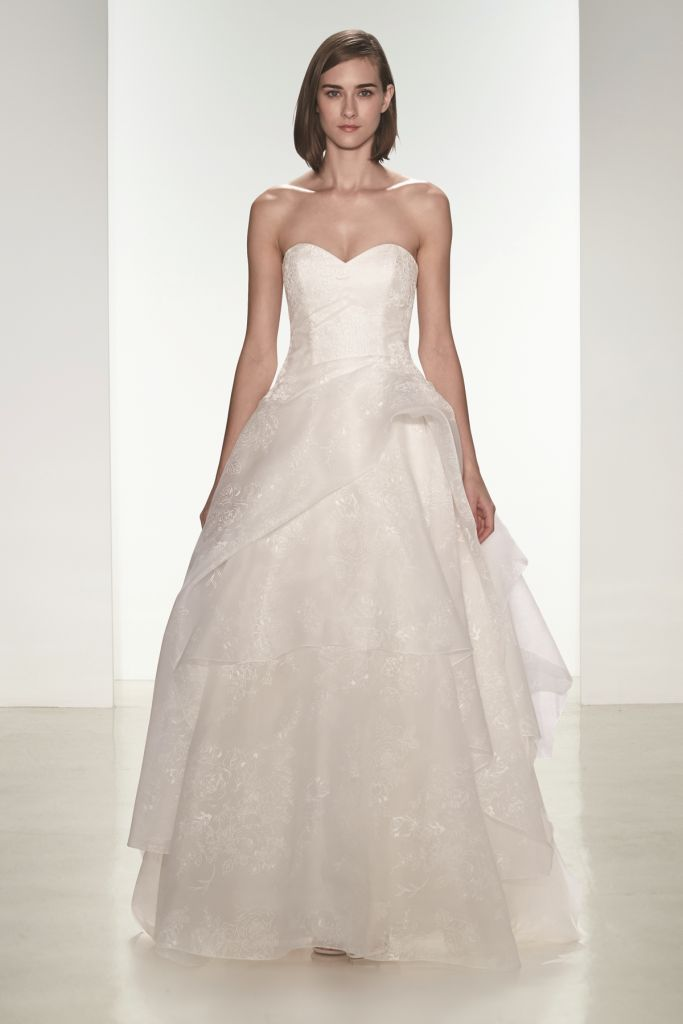 Tulle strapless wedding dress