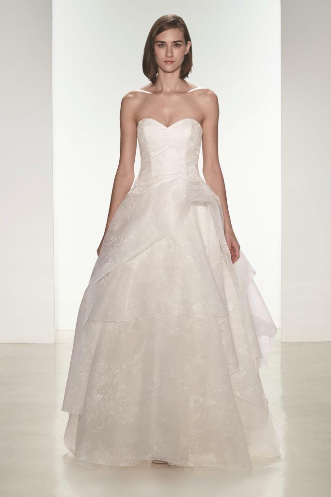 Tulle strapless wedding dress