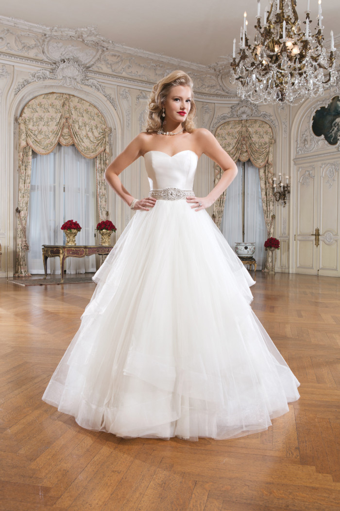 Tulle wedding dress for Where to buy justin alexander wedding dress
