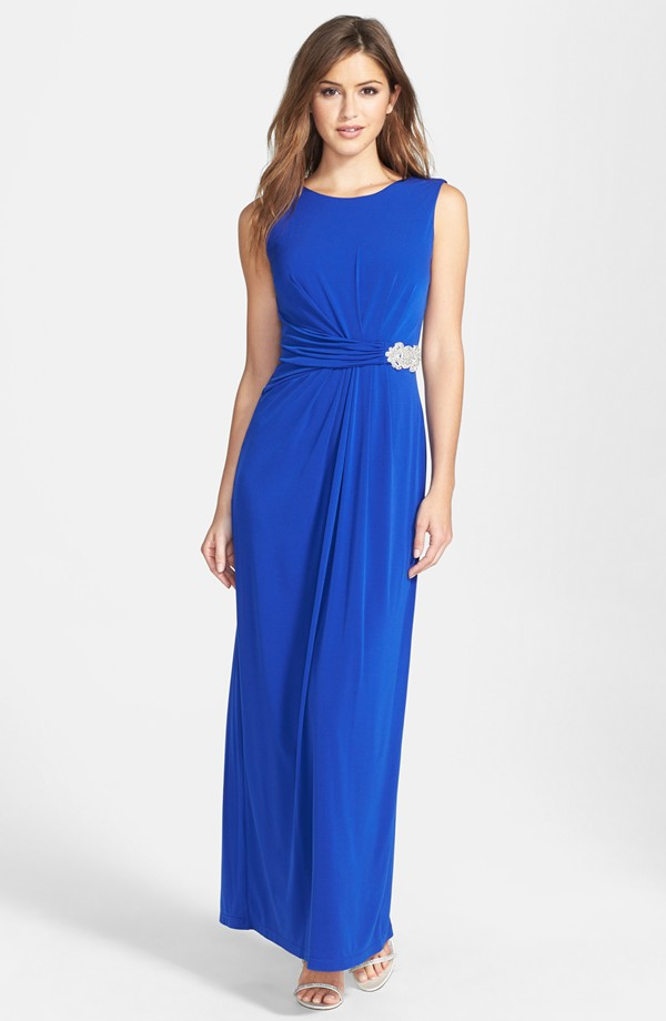 Royal blue gown for a beach wedding