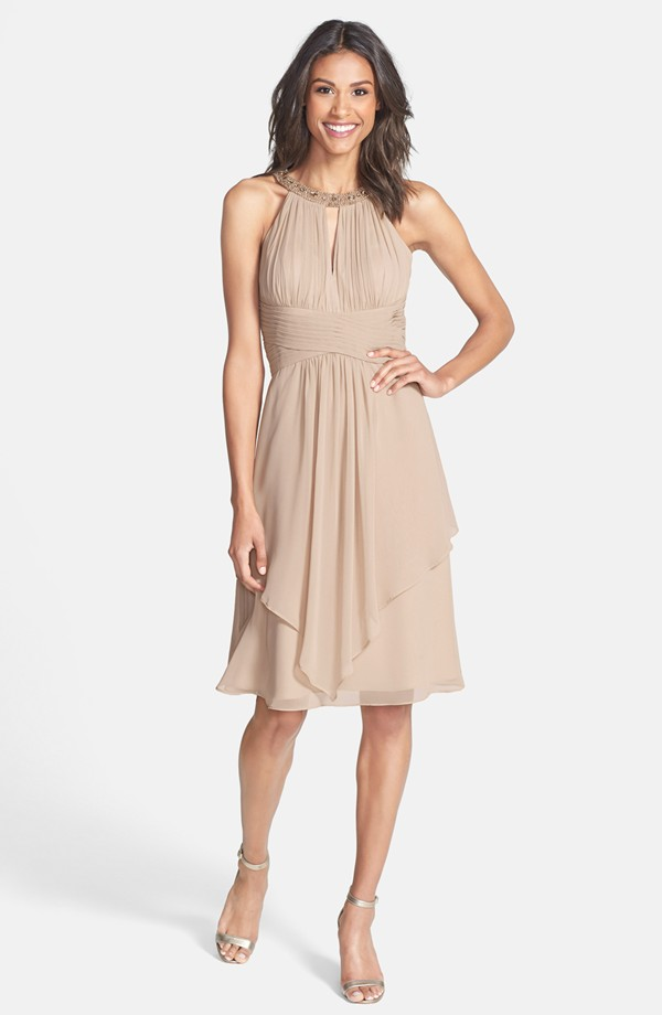 Neutral dress for a beach wedding for the mother of the groom