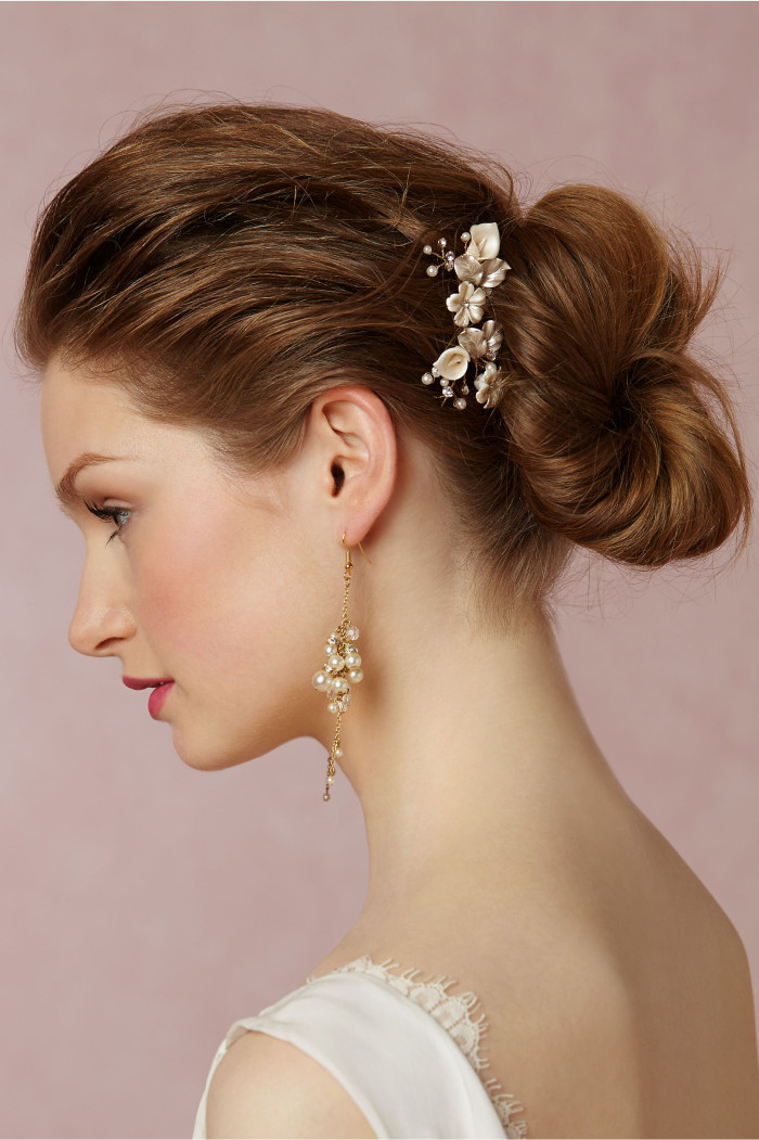 Floral hair pins for weddings