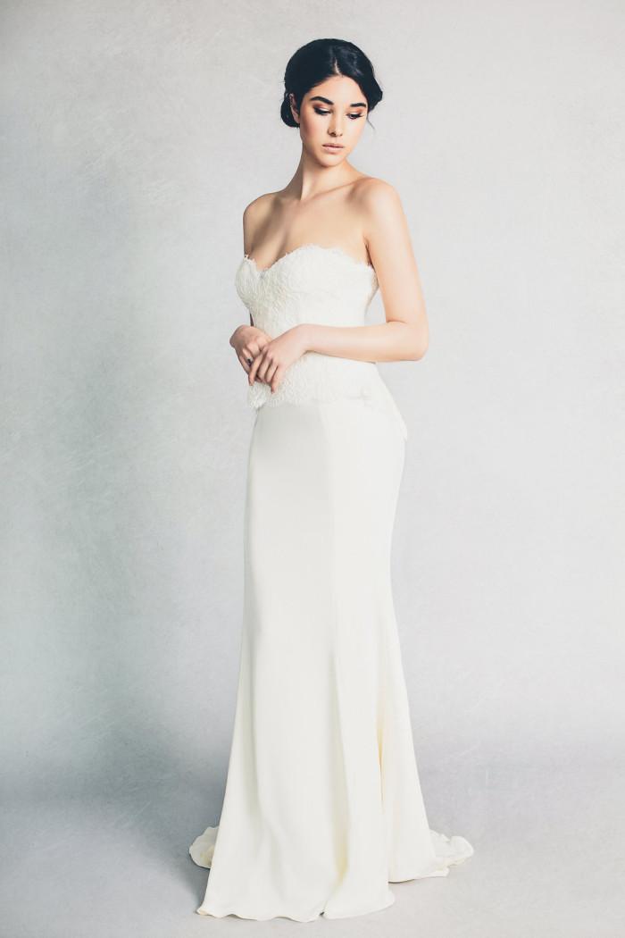 'Hannah' lace bodice wedding dress by Elizabeth Stuart  | Photography by Jessica Withey