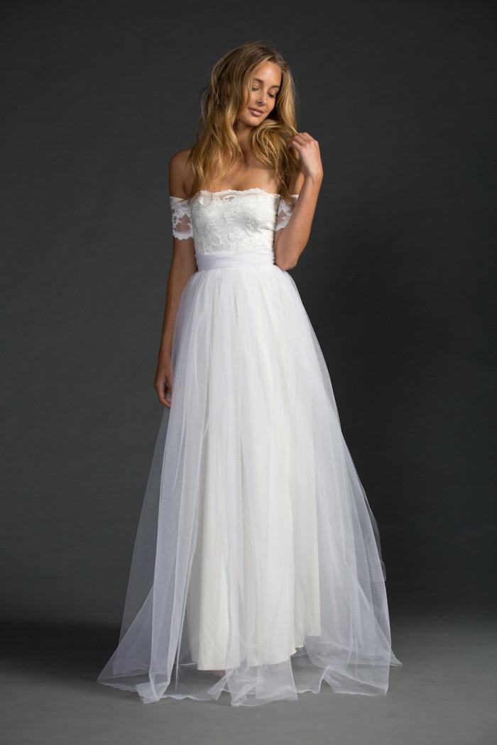 Beautiful wedding dresses for beach weddings for Beach dresses for a wedding