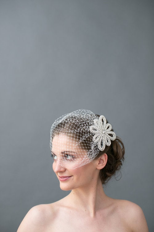 Birdcage wedding veil by Jaclyn Jordan New York. Image by Petronella Photography
