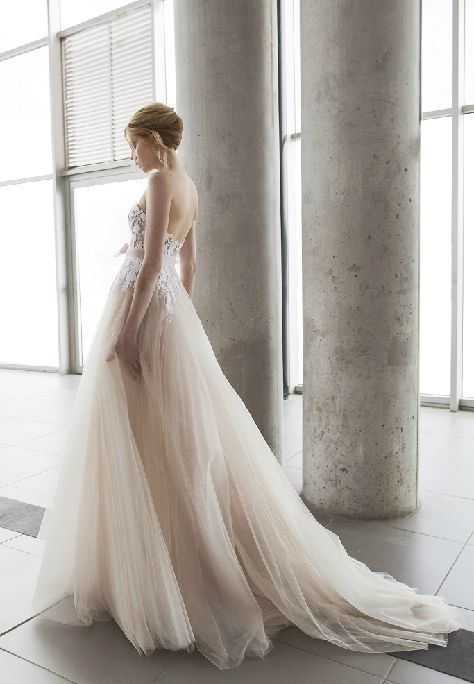 Fiona by Mira Zwillinger | Designer wedding dresses | Photography by Alexander Lipkin, Headpieces by Tami Bar-Lev