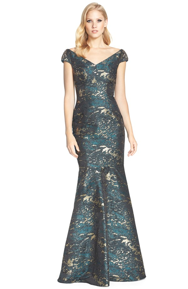 Emerald green and gold gown | By David Meister from Nordstrom