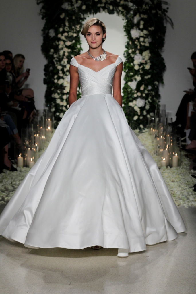 Ballgown wedding dress | Anne Barge