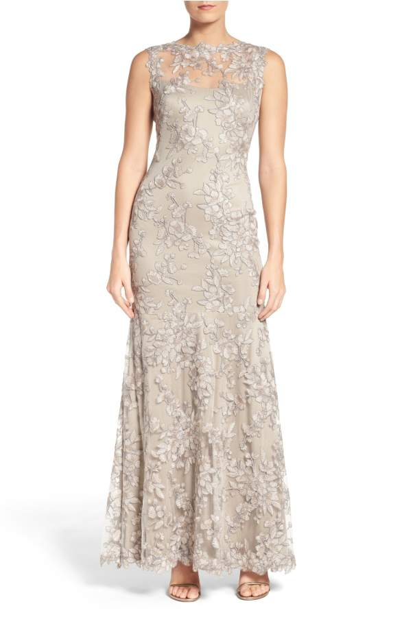 Silver lace gown silver gray lace dress for a wedding for Gray dresses for a wedding