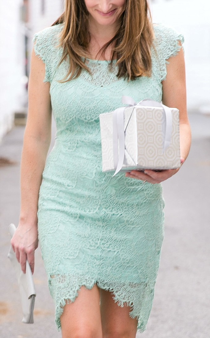 Detail, wedding guest in a mint dress | Mod Cloth | Photo by Brittney Kreider