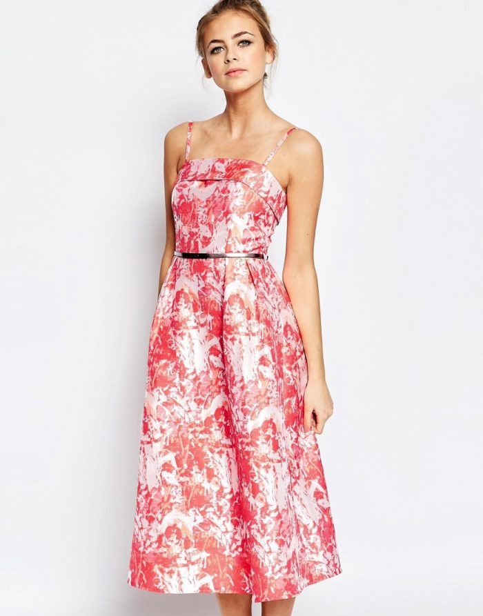 Pretty pink floral dress for a wedding guest | Spring dresses to wear to weddings
