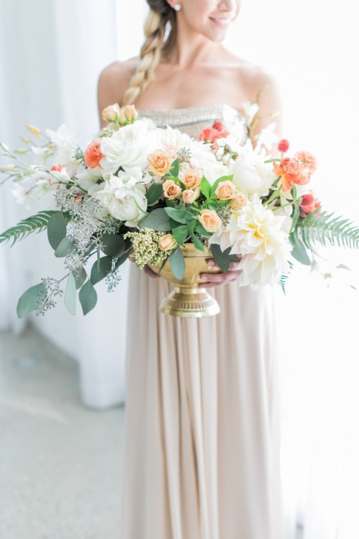 Beautiful floral design for a wedding | Wedding inspiration for couples | Aisle Society | Photography by Alexis June Weddings