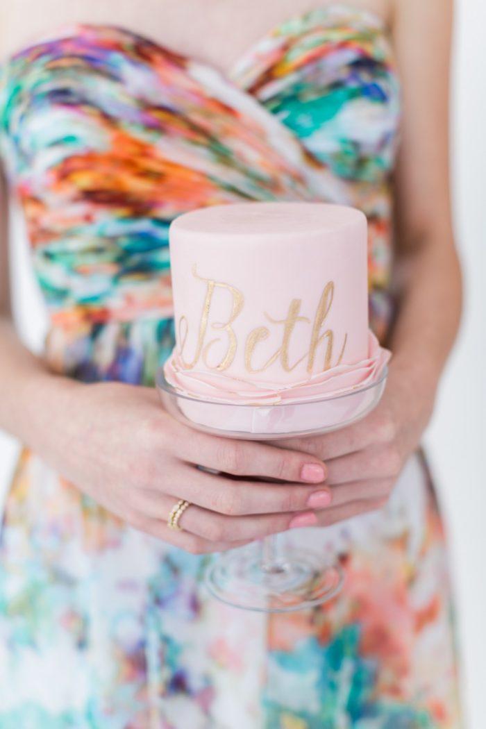 Mini cakes for wedding | Aisle Society | Alexis June Weddings Photography