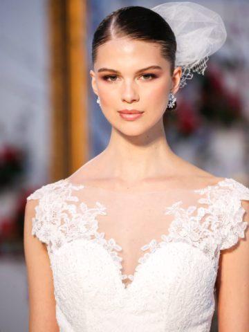 Classic wedding dress neckline detail | Anne Barge Spring 2017