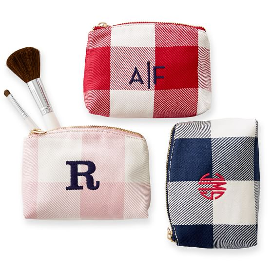 Personalized cosmetic bags for moms | Great MOB gifts