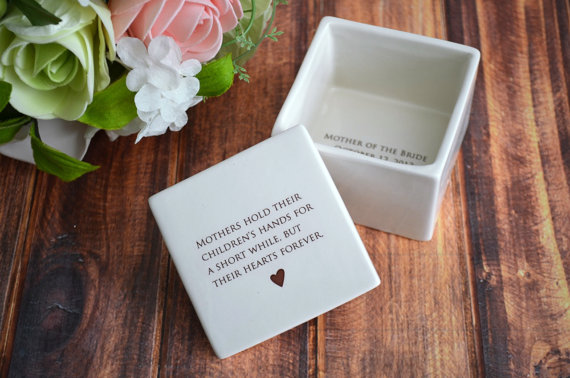 MOB gifts | Square keepsake box from Susabellas on Etsy