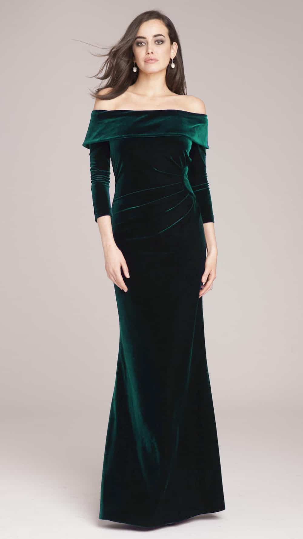 Off the Shoulder Emerald Green Velvet Gown   Dress for the Wedding