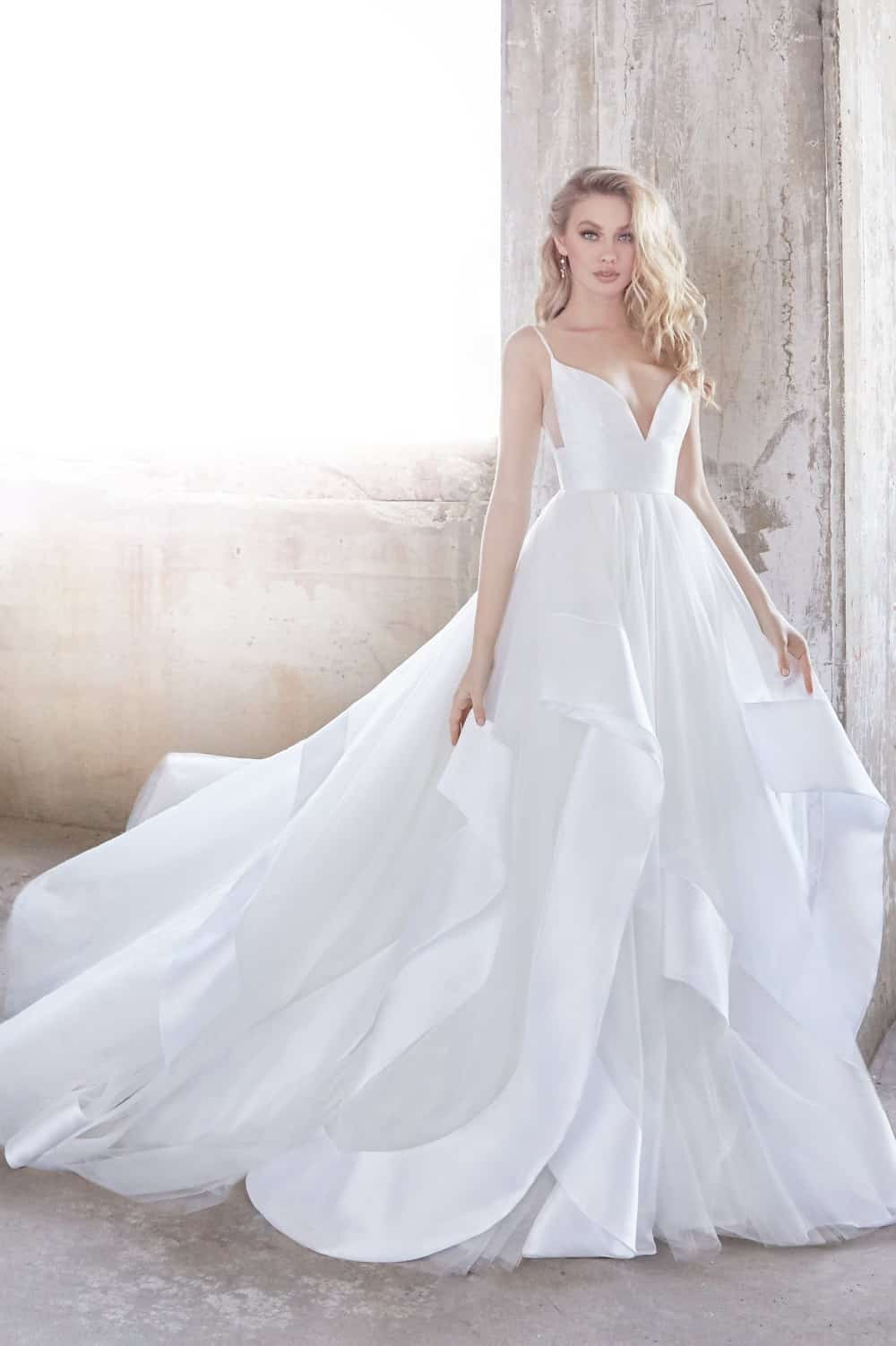 Model the Newest Wedding Dress