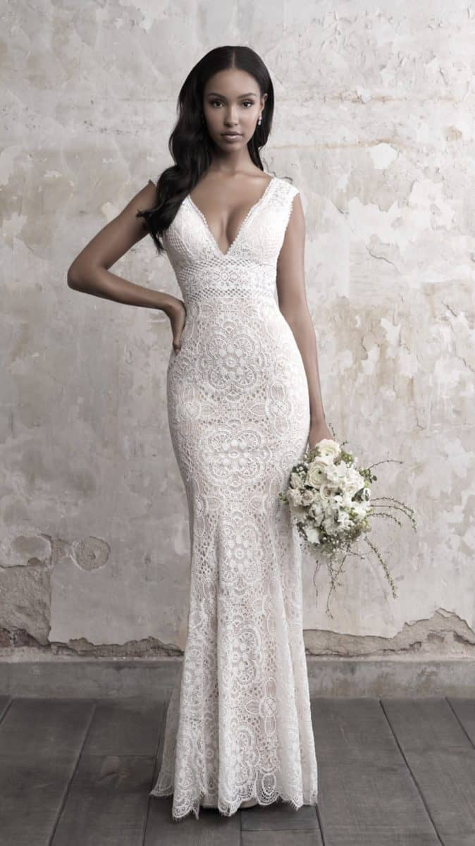 Fitted lace wedding dress with V neck