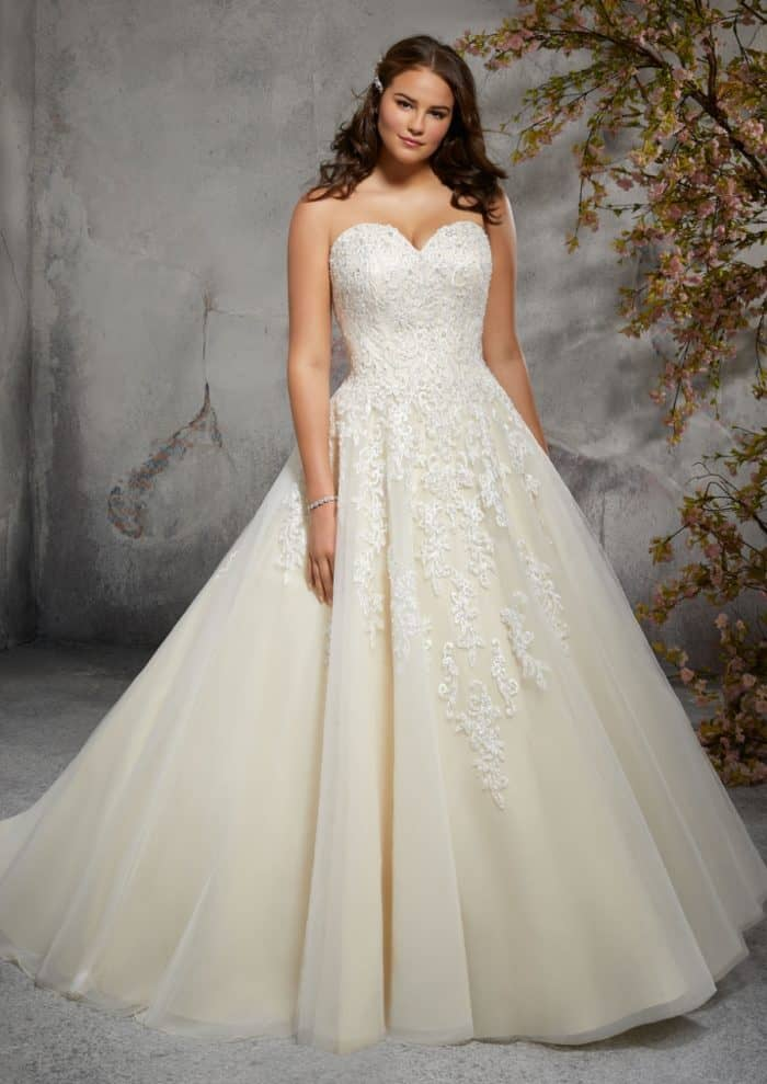 Plus Size Julietta Wedding Dresses Strapless beaded sweetheart ball gown plus size wedding dress