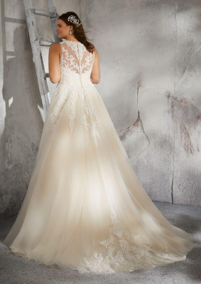 Plus size wedding gown with back details