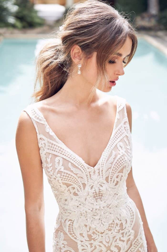Detail of Jamie Dress in fitted lace Anna Campbell
