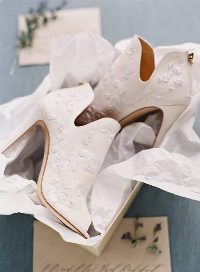 White lace bridal boots | Bella Belle