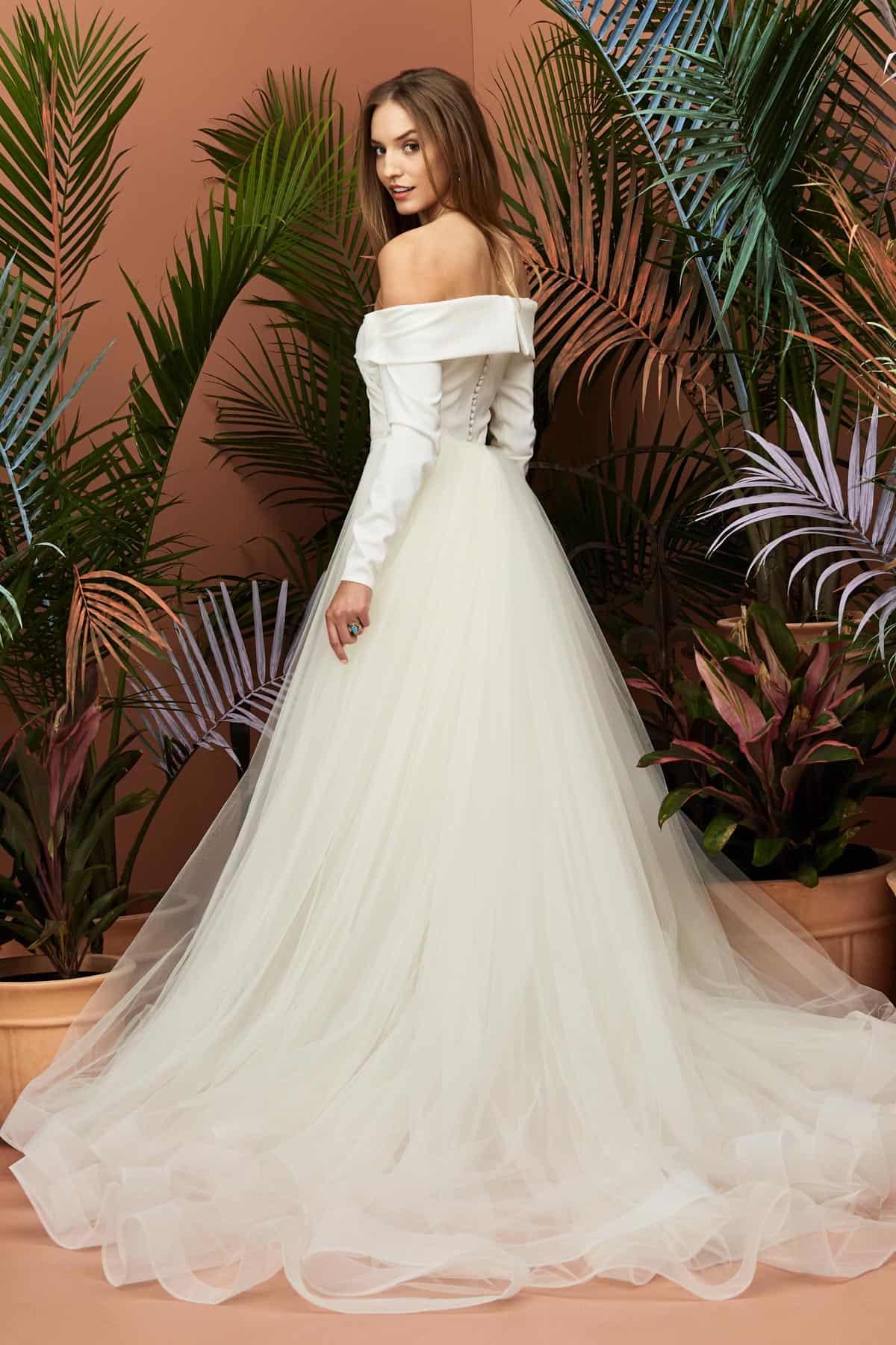 Casual Beach Wedding Guest Attire