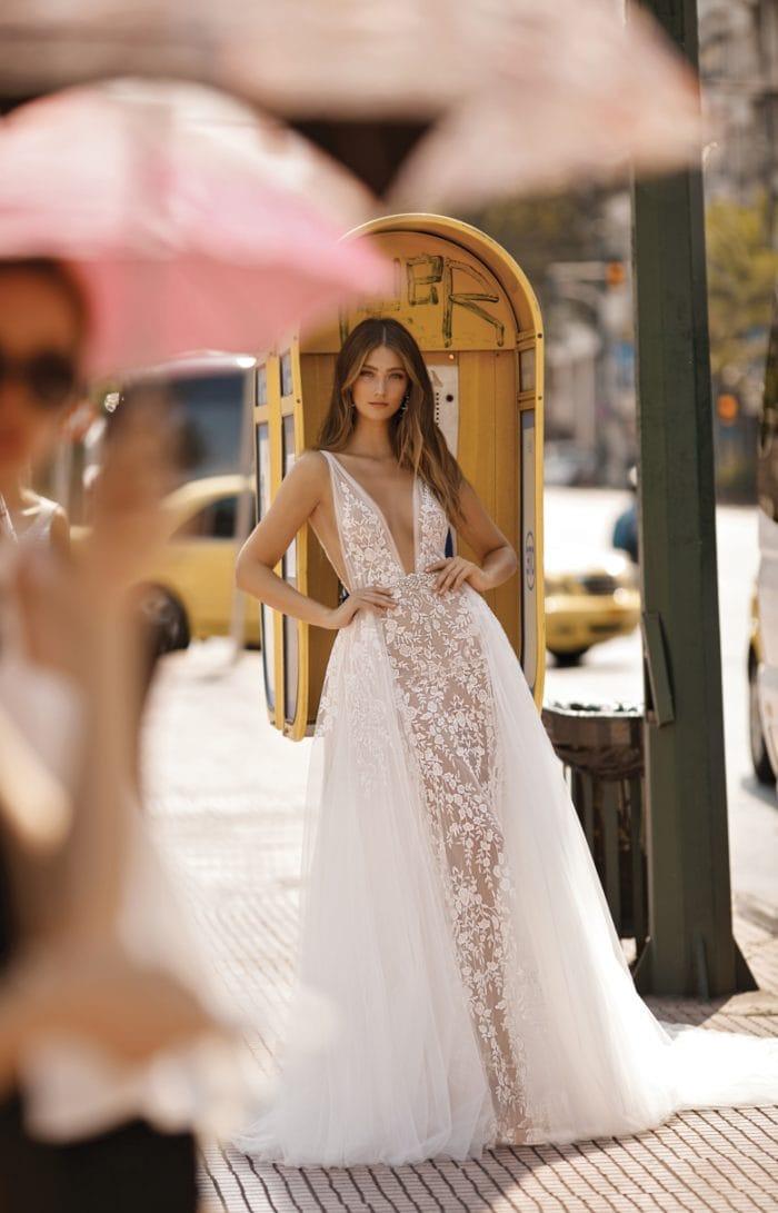 Overskirt wedding dress