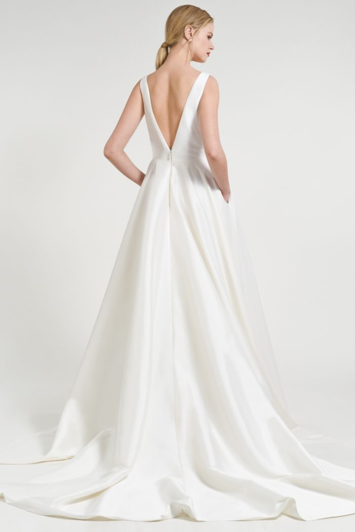 V back modern ball gown wedding dress