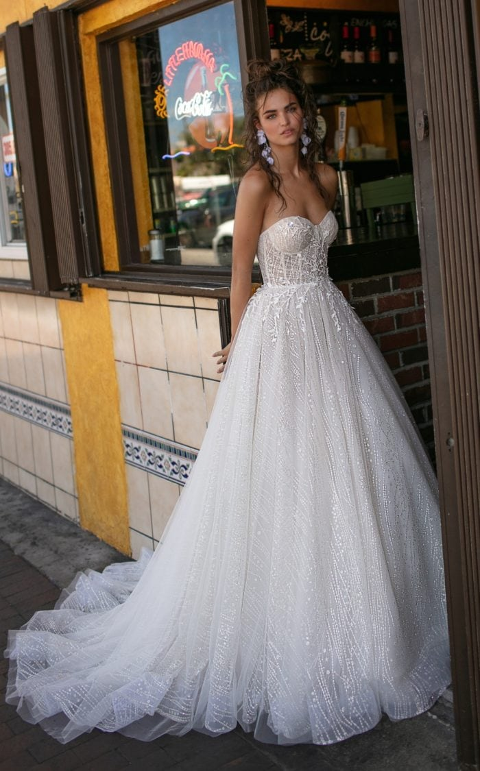 Strapless ball gown wedding dress   Berta 2019