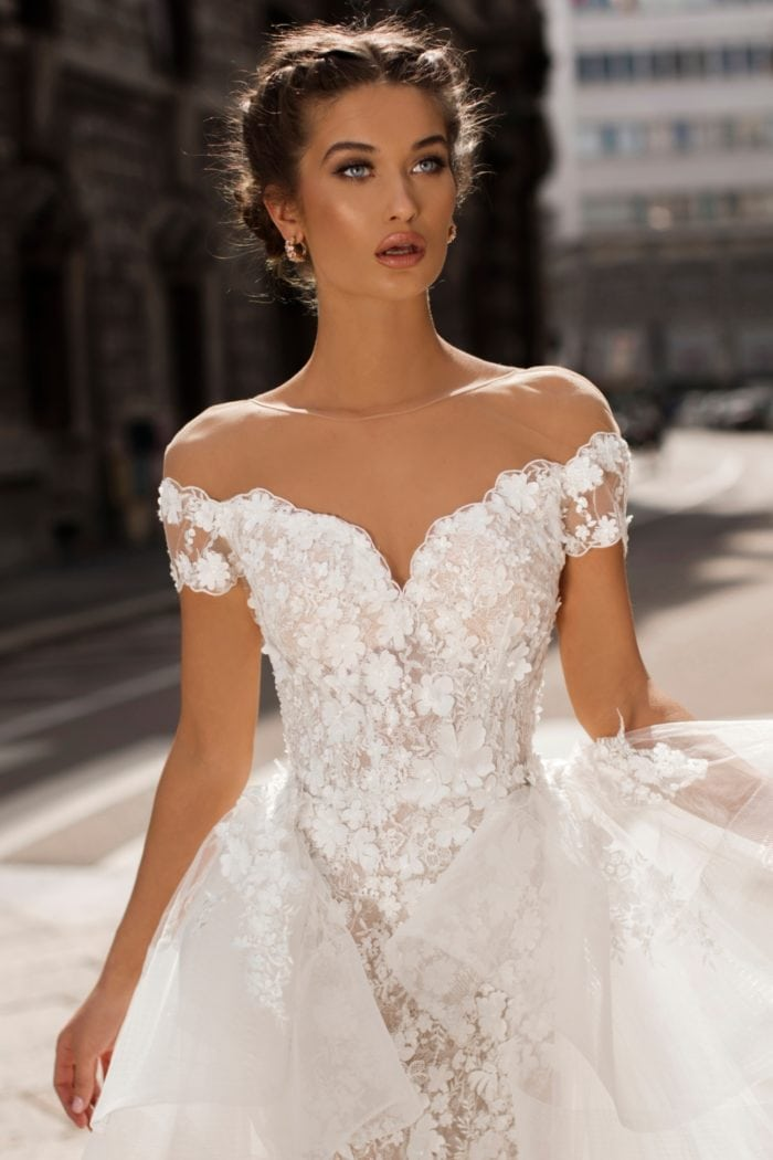 Off the shoulder tulle and lace designer bridal gown | Tarik Ediz White Collection 2019