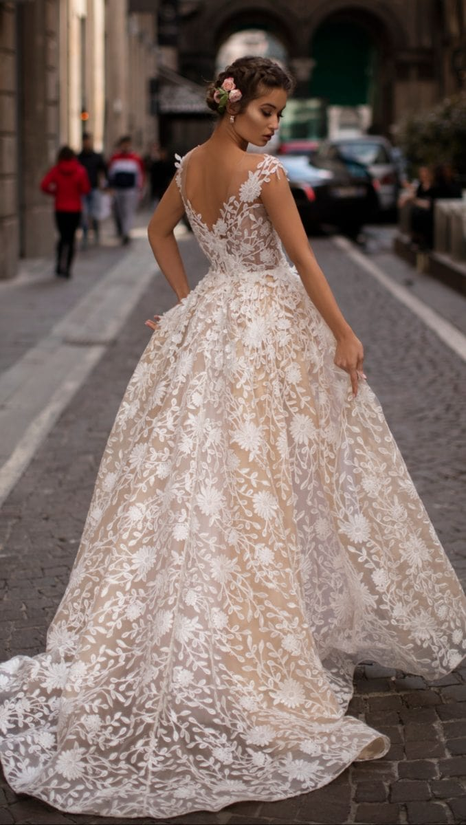 Lace embriodered ball gown grand wedding dress