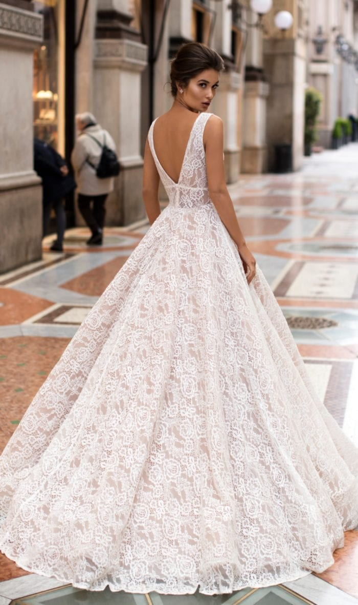 Lace ball gown wedding dress 2019