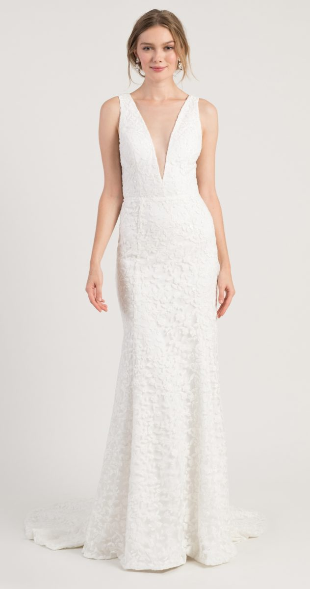 V neck lace wedding dress | Arden Jenny by Jenny Yoo