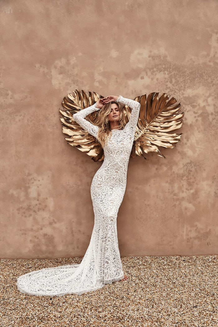 Fitted lace boho wedding dress