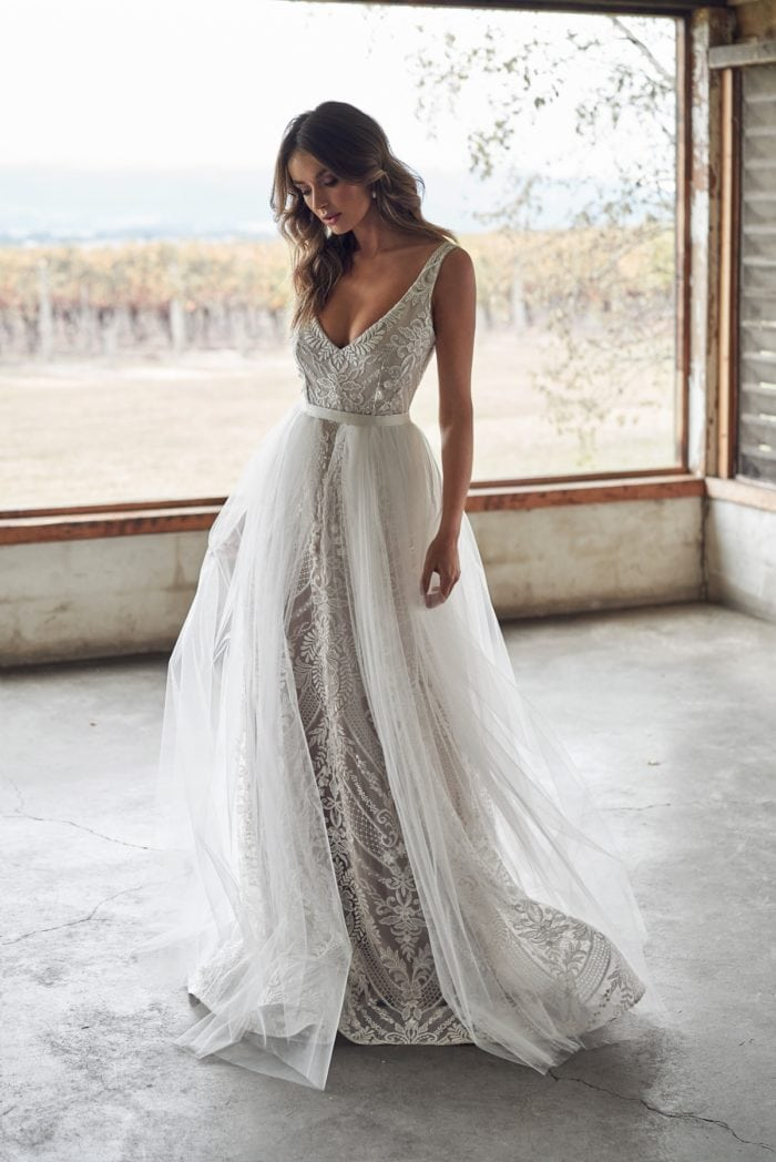 Overskirt bridal gown Anna Campbell