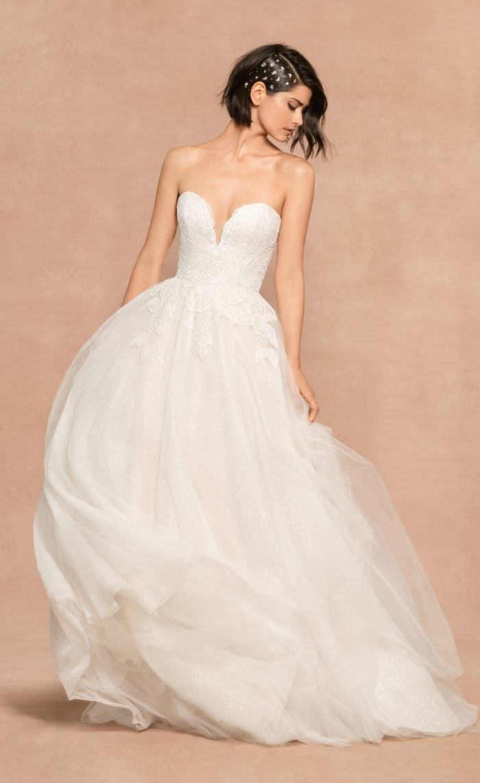 Sparkly strapless wedding dress Wynn Hayley Paige