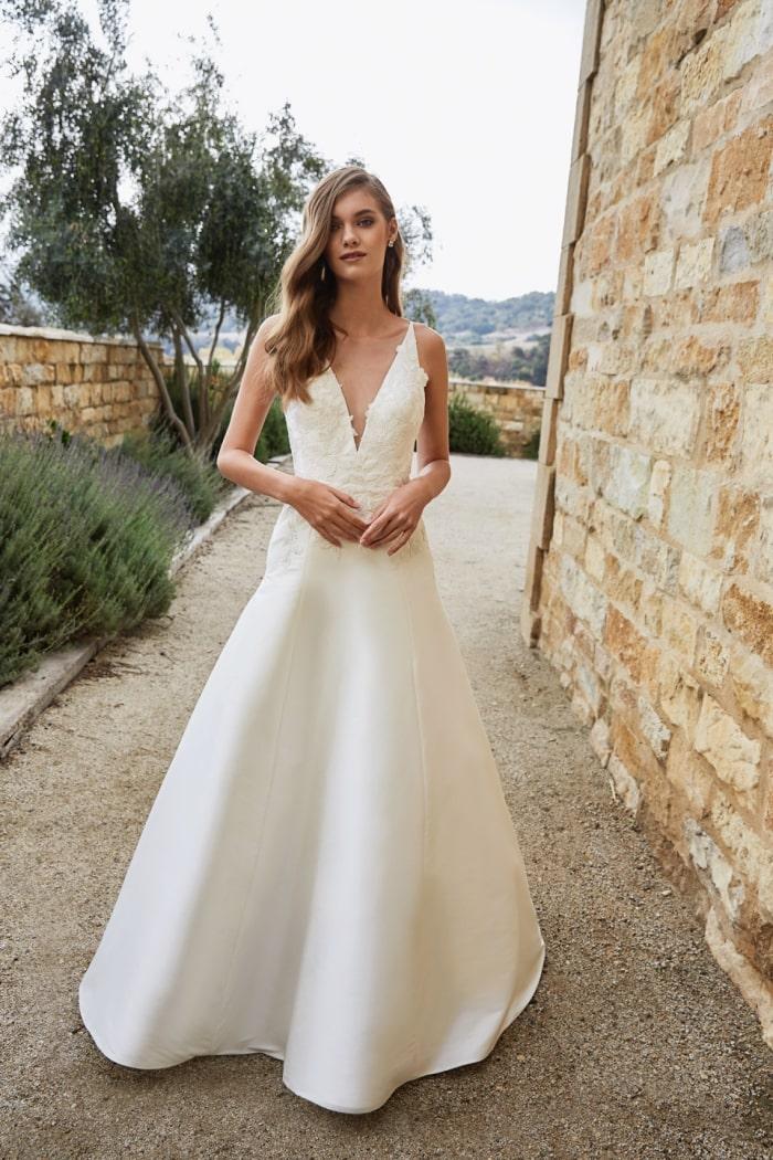 V neck bridal gon Jenny by Jenny Yoo Wedding Dress