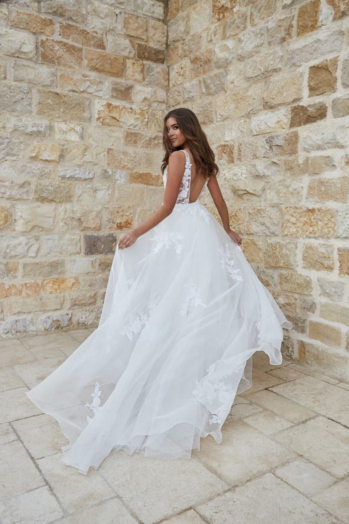 Ball gown organza wedding dress with V neck
