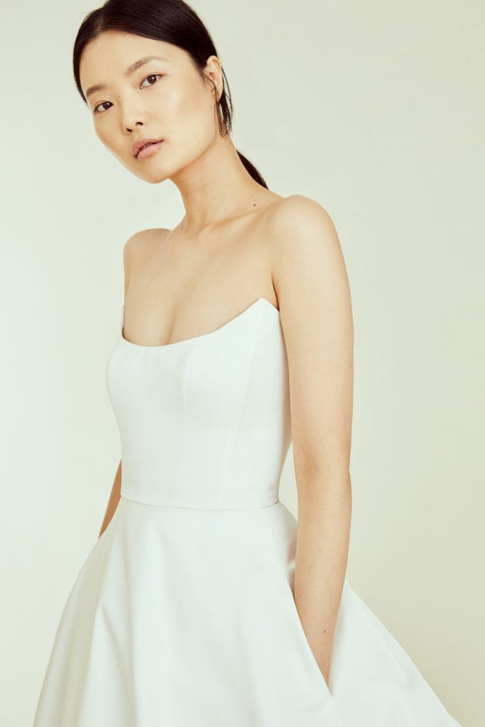 Strapless wedding dress with scoop neck